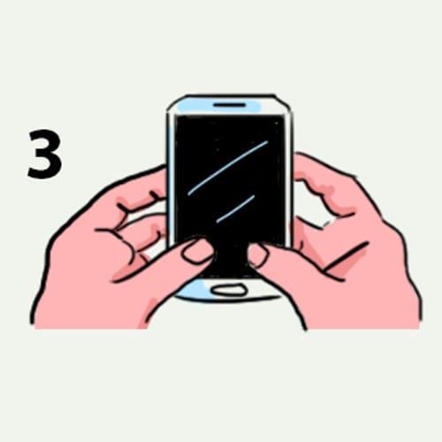 Споделете, как държите мобилния и ще ти кажем коя е най-характерната ти черта - 99% вярно е 11