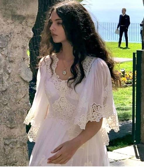 Запознайте се с красивата дъщеря на Моника Белучи 56