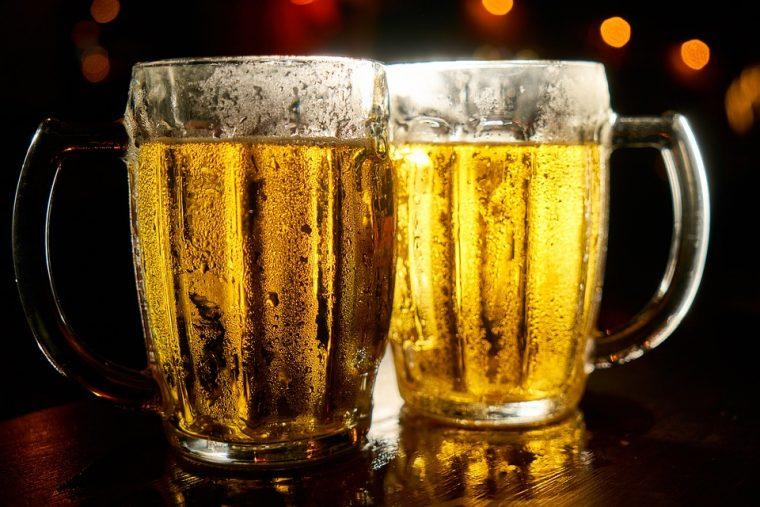 Винаги има място за две бири и среща с приятели 56