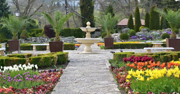 Бижуто на Северното черноморие е Ботаническа градина в Балчик 56