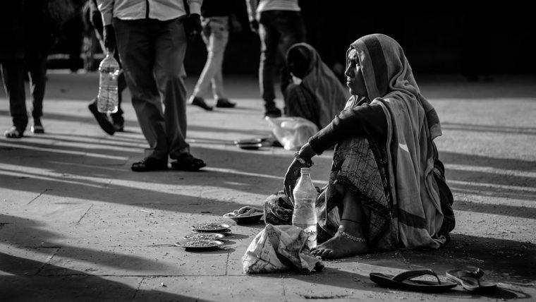 Беден човек попитал Буда: – Защо съм толкова беден?... Притча за бедността 54