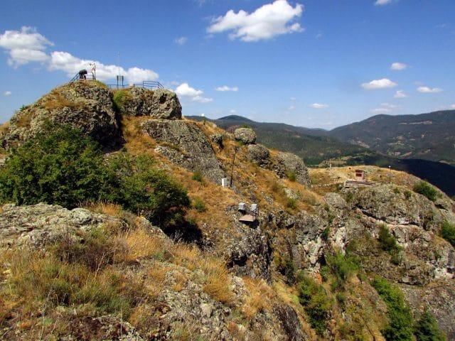 Момчилова крепост – спиращо дъха място в любимите Родопите (СНИМКИ и ВИДЕО) 54