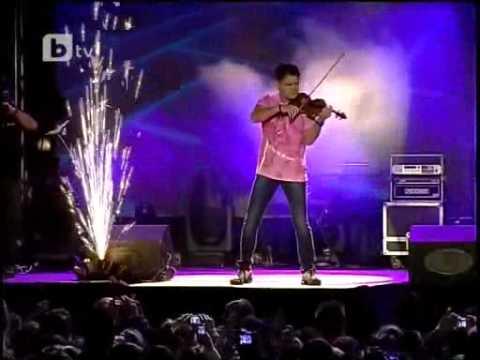 Един велик цигулар и една велика песен. Едно незабравимо изпълнение (ВИДЕО) 54