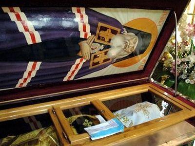 Чудотворна икона у нас на Свети Лука Кримски лекува 56