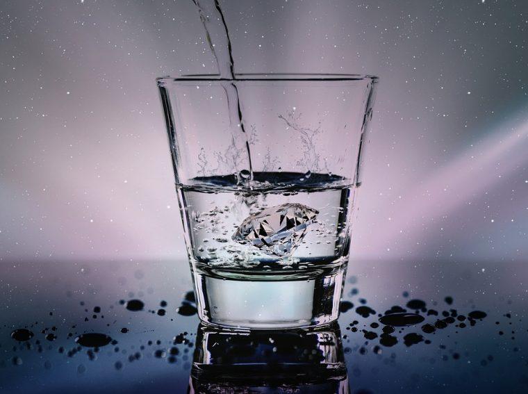 Известен диетолог разби на пух и прах митовете за пиене на много вода 54