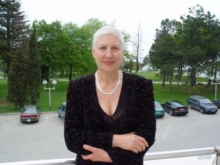 Доктор Емилова сподели колко полезни и важни са сините сливи, НО при едно важно условие 14