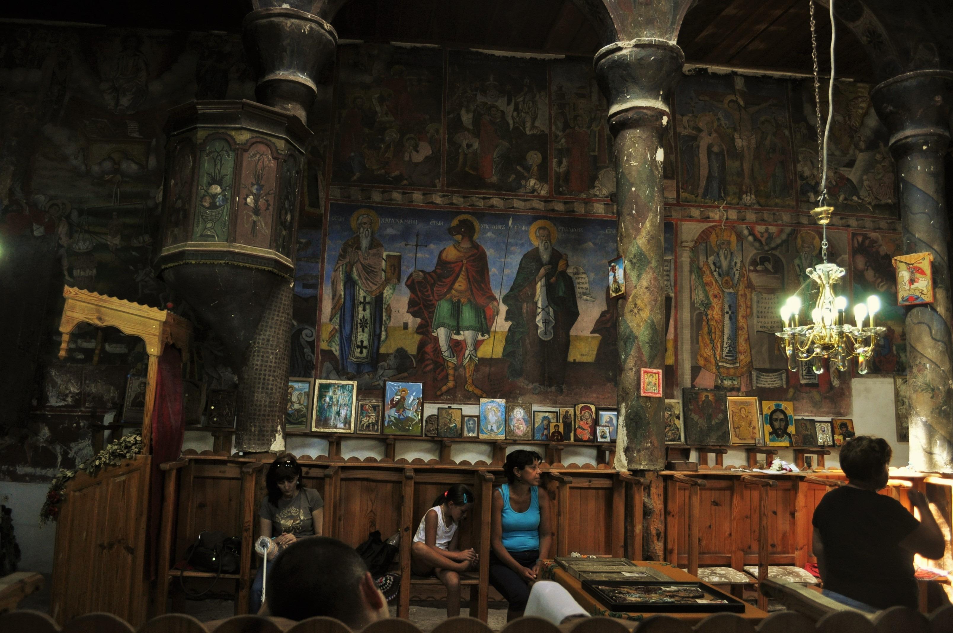 Златолист е свято място, там вярата лекува 57