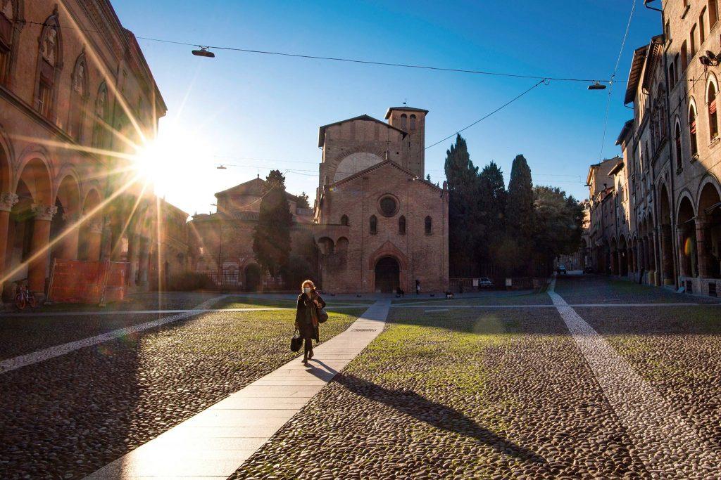 Вижте пустоща, в която се превърна Италия заради коронавируса (СНИМКИ) 38