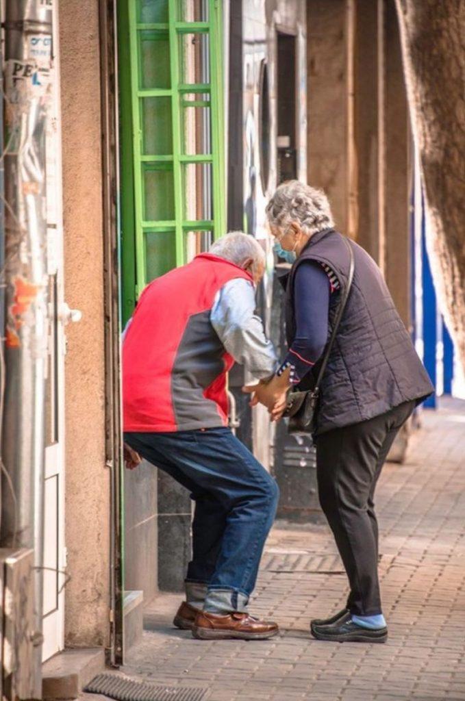Възрастна софийска двойка просълзи всички в социалните мрежи с историята си! (СНИМКИ) 55