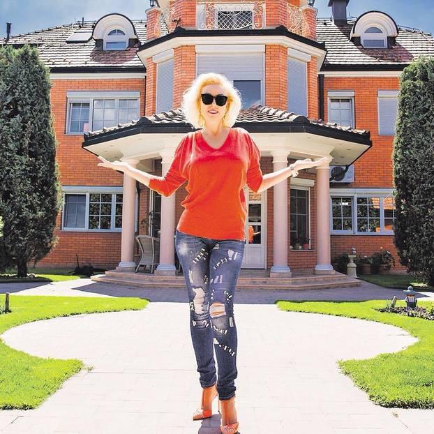 Лепа Брена продава невероятната си вила за €2 милиона! Вижте я тук! (СНИМКИ) 55