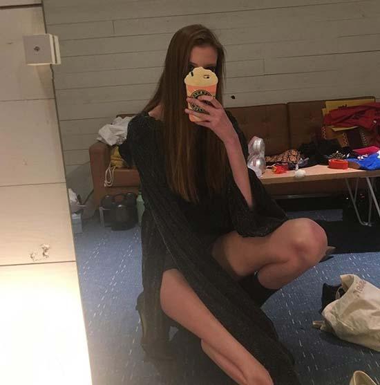 Това е момичето с най-дългите крака в света! Невероятни са.. 55