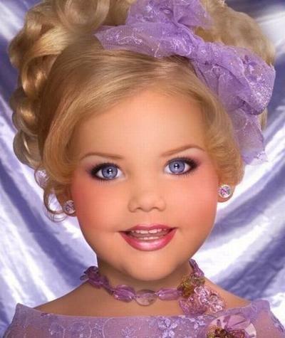 Живата кукла Барби вече порасна. Ето как изглежда сега (СНИМКИ) 53