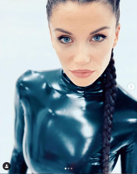 Диляна Попова конкурира по красота всички родни звезди с уникални снимки 32