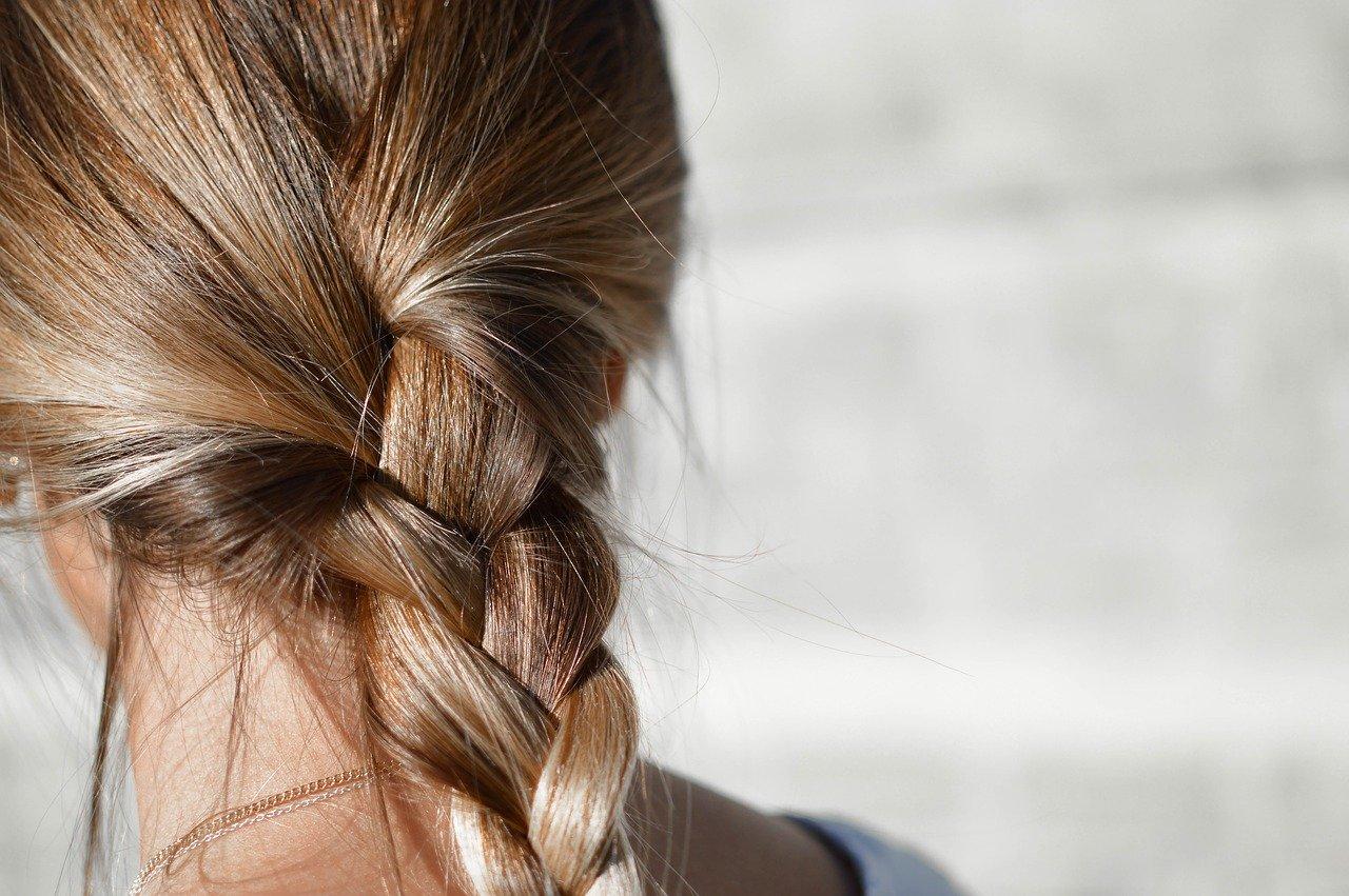 Няколко уникални натурални съставки, за да се грижите за боядисана коса. 57